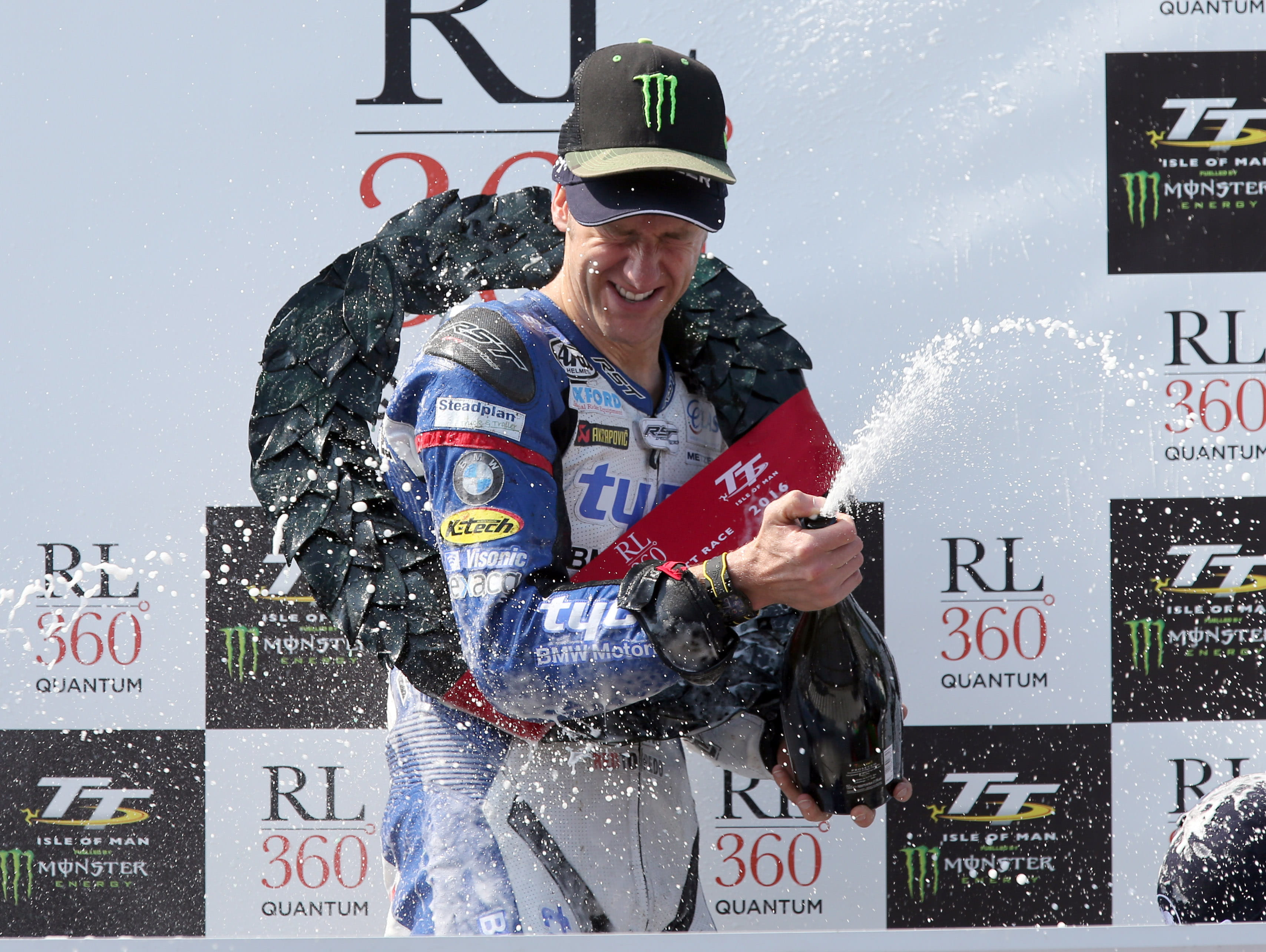 Hutchy takes the Superstock win