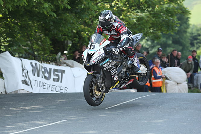 Michael Dunlop on his way to Superbike TT victory on the Hawk BMW using a Nova gearbox