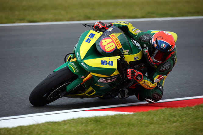 Tarran on the Team WD-40 bike in British Supersport