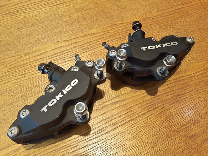 Brake calipers from a K1 GSX-R600