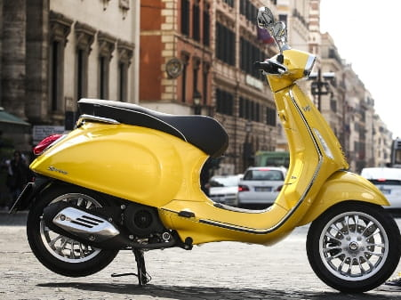 Vespa Sprint 125...thankfully available in other colours