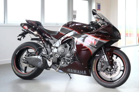 Bennetts 2012 YZF-R1 with full carbon fibre bodywork