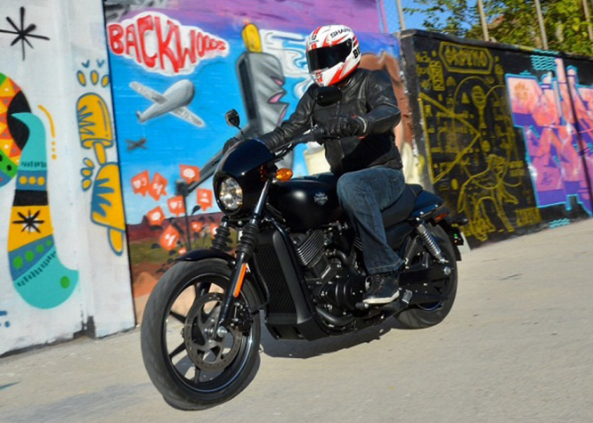 Bike Social's Michael Mann rides the Street 750