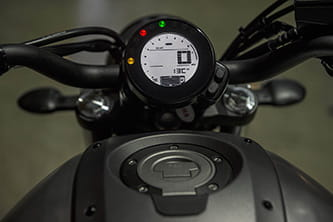 Easy-to-read LCD digital display of the XSR700