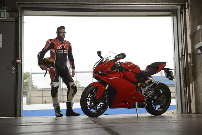 ducati 959 panigale vs ducati 1299 panigale 2016 does size really rh bennetts co uk