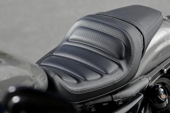 Specification Harley Davidson Roadster