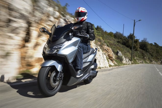 honda forza 125 review 2015 and top speed bikesocial. Black Bedroom Furniture Sets. Home Design Ideas