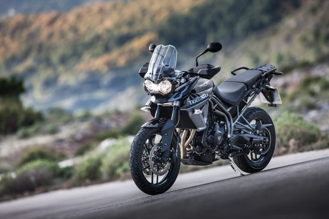 triumph tiger 800 xrx first review. Black Bedroom Furniture Sets. Home Design Ideas